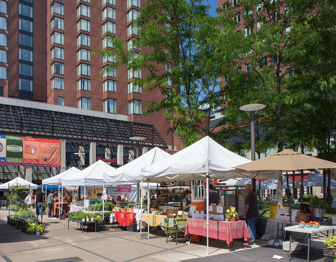Vivo Apartments - Cambridge, MA - Farmer's Market